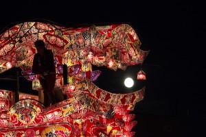 沼田町 第39回夜高あんどん祭り。あんどんぶつけ合いを初めて観る。