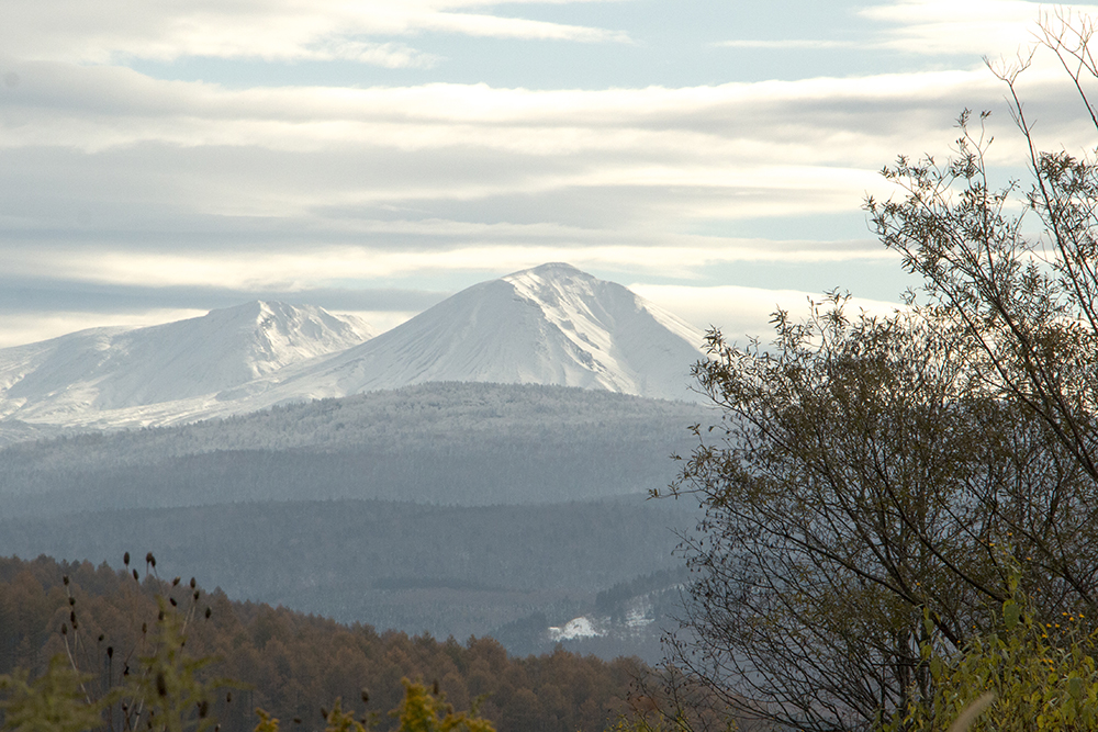 冠雪した晩秋の旭岳