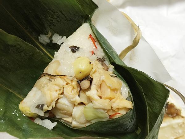 旭川のサンロク街の肉まん屋「茶寮」の海鮮ちまき