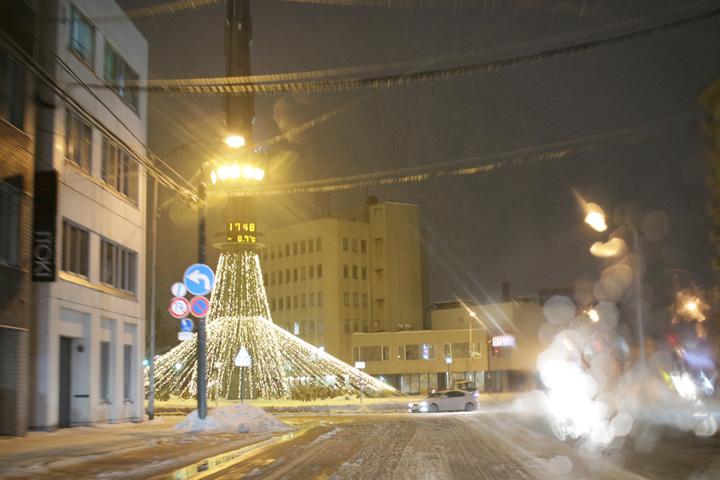 氷点下で雨が降った旭川市内の様子