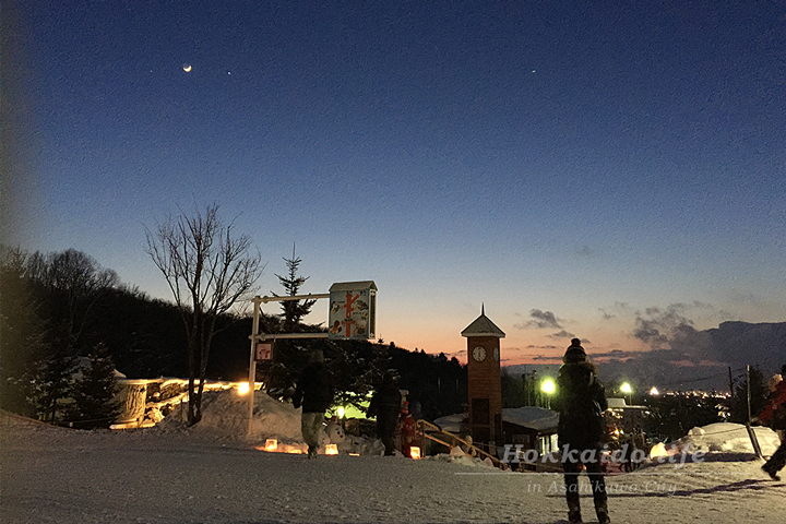 旭山動物園「雪あかりの動物園」日没直後の園内