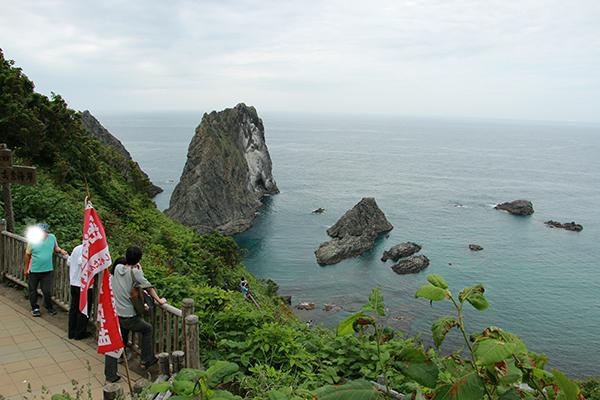 島武意海岸(しまむいかいがん)の展望デッキ