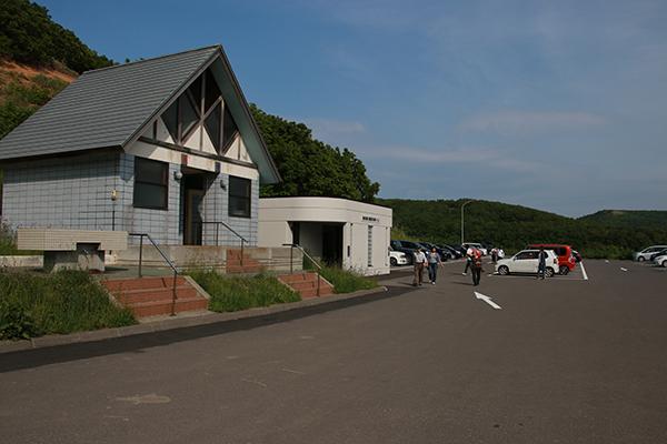 島武意海岸(しまむいかいがん)の駐車場