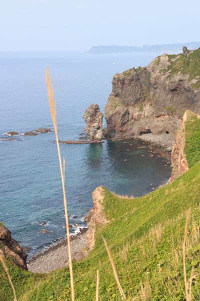 水無の岩と念仏トンネル