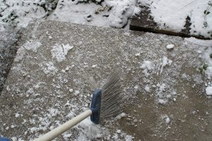 軽い雪は掃く