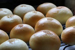 小豆から自家製のあんパンづくり