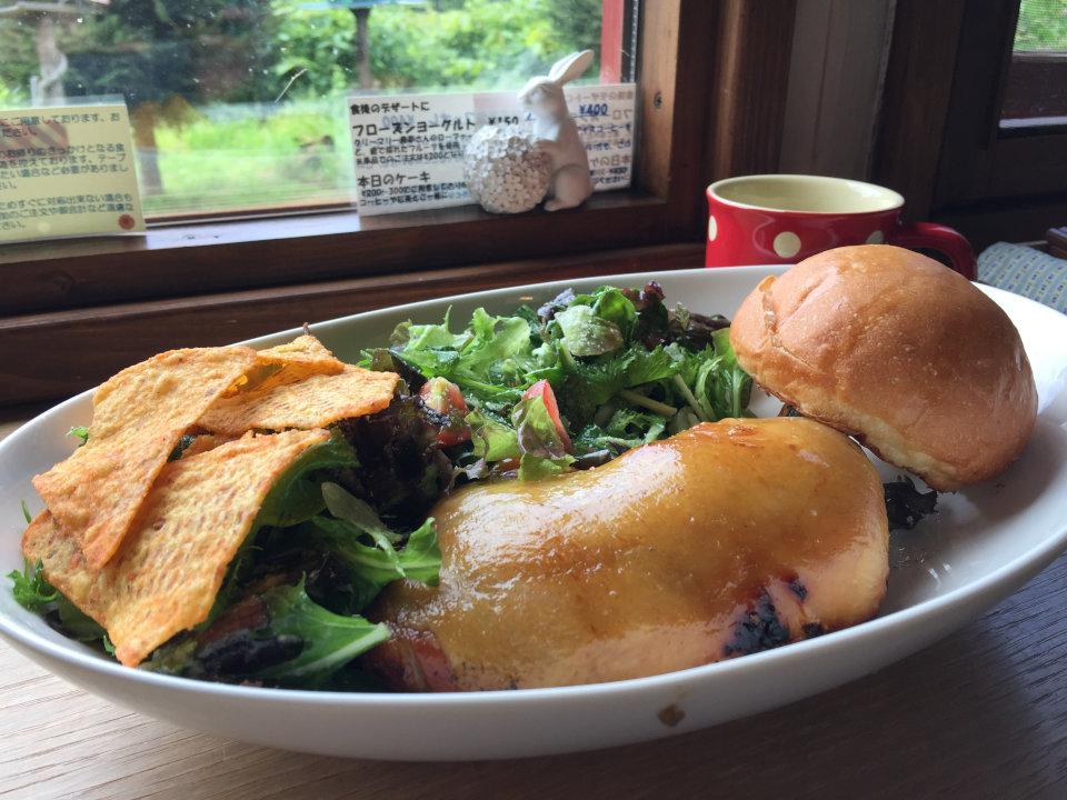 東川町「ハルキッチン」の鶏の燻製
